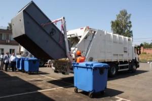 Мусоровозы Scania с оборудованием Zoeller грузят мусор