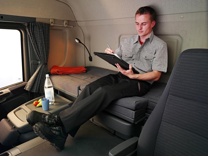 Длинная кабина SCANIA CP19N с местом для отдыха водителя