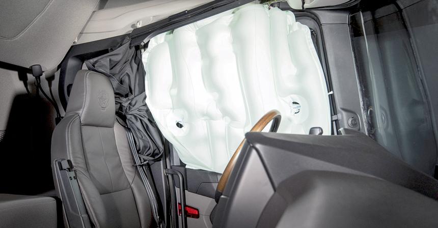 продажа тягачей Хабаровск боковые подушки безопасности новой Скании